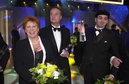 Laudatorin Barbara Salesch mit Oliver Welke und Kaya Yanar