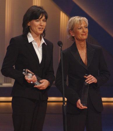 Maybrit Illner und Sabine Christiansen Gewinnerinnen in der Kategorie Beste Informationssendung