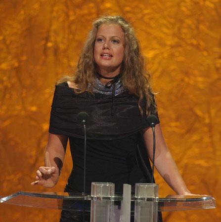 Barbara Schöneberger Laudatorin für die Kategorie Beste Serie