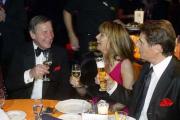 Wolfgang Clement feiert mit Jenny und Udo Jürgens