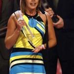 Felicitas Woll mit dem Preis für Beste Serie