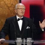 Friedrich Nowottny hält die Laudatio für Beste Dokumentation