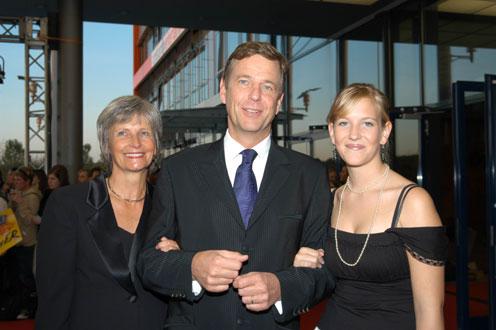 Klaus Kleber mit Gattin Dr. Renate Grziwok und Tochter Caterine