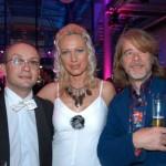 Wigald Boning, Ehefrau Ines Völer und Helge Schneider (v. li.)