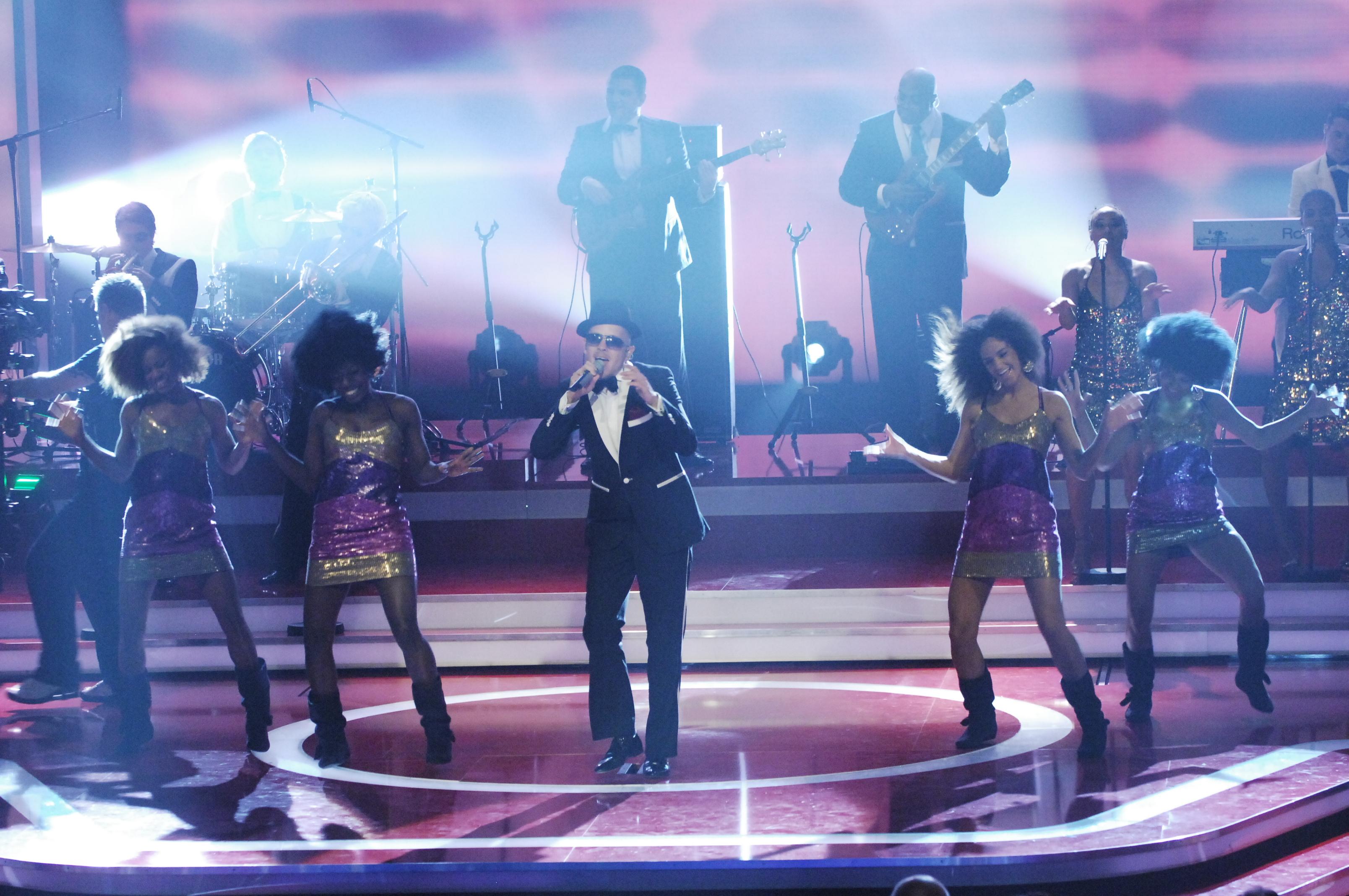 Showact Jan Delay performt seinen Charthit Oh Jonny