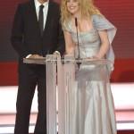 Diana Amft und Florian David Fitz präsentieren die Kategorie Beste Serie