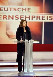 Die Gastgeberin, WDR-Intendantin Monika Piel, begrüflt die Gäste des 12. Deutschen Fernsehpreises