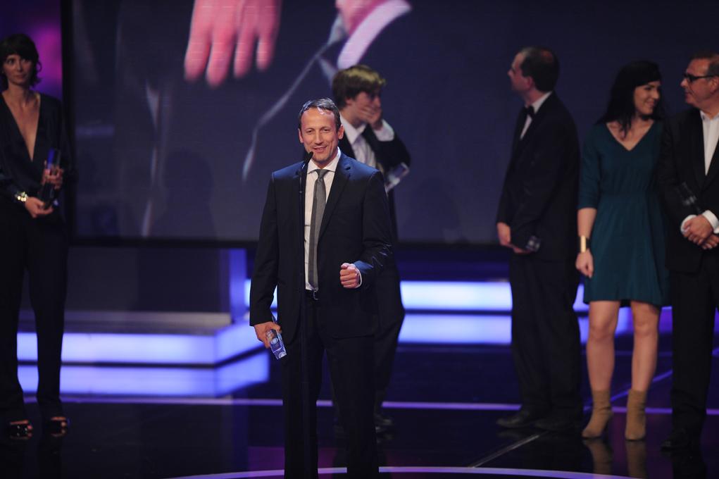 Wotan Wilke Möhring bedankt sich für den Preis Bester Mehrteiler