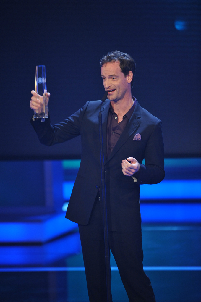 Jörg Hartmann bedankt sich für den Preis in der Kategorie Bester Schauspieler