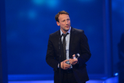 "Wotan Wilke Möhring nimmt den Preis in der Kategorie ""Bester Schauspieler"" entgegen."