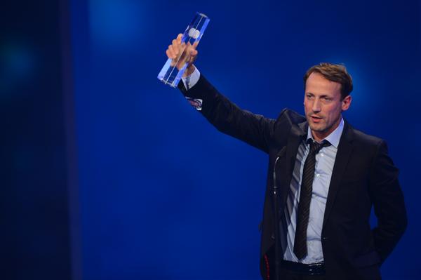 Wotan Wilke Moehring bedankt sich für die Auszeichnung in der Kategorie Bester Schauspieler