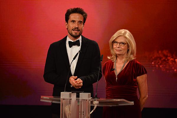 Die Laudatoren Sabine Postel und Oliver Mommsen