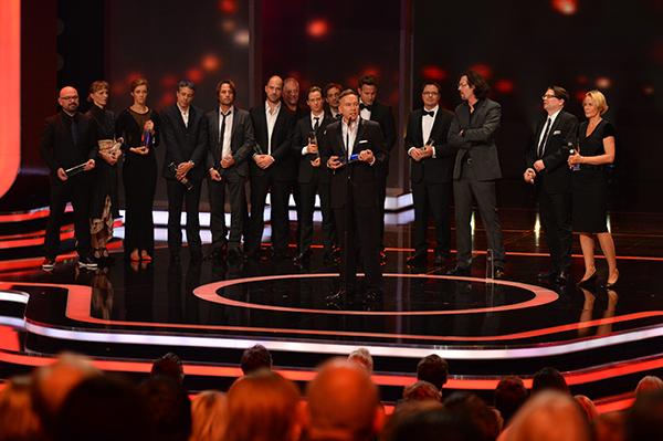 Das Team von Unsere Mütter, unsere Väter wurde in der Kategorie Bester Mehrteiler ausgezeichnet