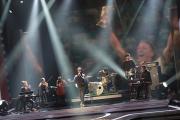 Mark Foster singt Au revoir