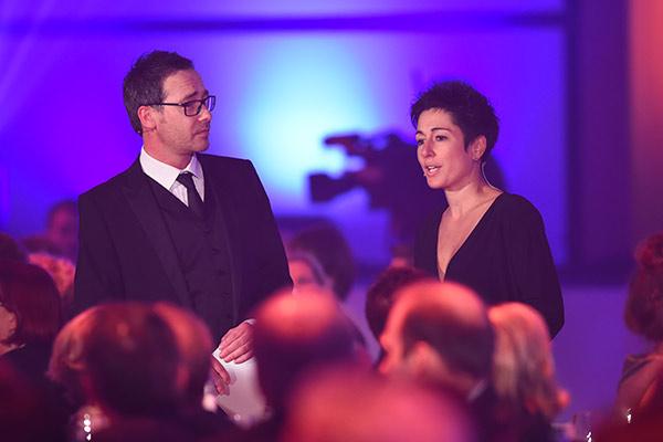 """Presenter in der """"Information"""" Dunja Hayali und Matthias Opdenhövel"""