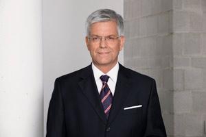 Dr. Thomas Bellut
